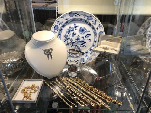 Porcelana oraz biżuteria